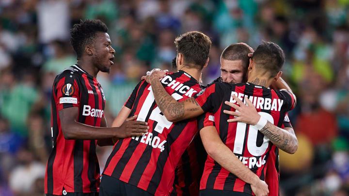 Video: Leverkusen-Juwel Iker Bravo erzielt Fallrückzieher-Tor