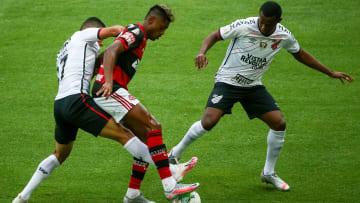 Quem vai à final da Copa do Brasil? Flamengo e Athletico-PR disputam vaga.