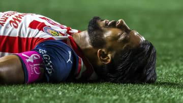Miguel Ponce salió portando el gafete de capitán en el empate sin goles entre Xolos y Chivas.