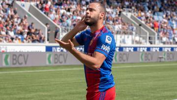 Arthur Cabral, do Basel, é um dos nomes comentados no mercado de transferências do futebol italiano
