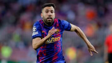Jordi Alba sufre un esguince y quiere forzar