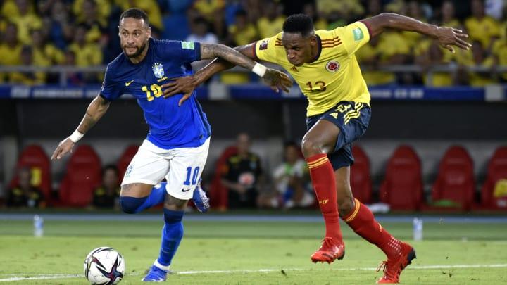 """Em áudio vazado, Galvão Bueno teria chamado Neymar de """"idiota"""" após o empate do Brasil com a Colômbia nas Eliminatórias da Copa do Mundo."""