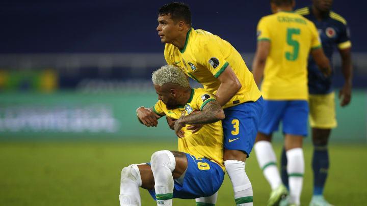 Thiago Silva est venu au soutien de Neymar