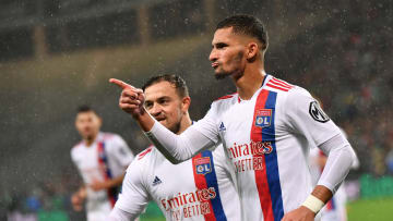 Houssem Aouar et Xherdan Shaqiri lors du Derby avant la trêve (1-1).