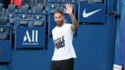 Sergio Ramos winkt