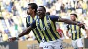 Bright Osayi-Samuel'in gol sevinci