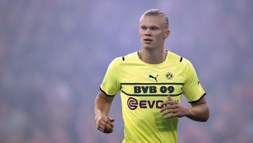 "UEFA Champions League""Ajax Amsterdam v Borussia Dortmund"""