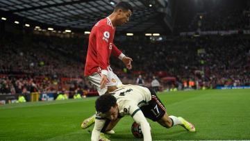 Ronaldo im Zweikampf mit Jones