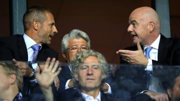 Momentan nicht so gut aufeinander zu sprechen: Aleksander Ceferin und Gianni Infantino (beim spanischen Supercup-Finale)