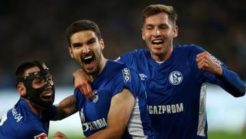 Schalke feiert den Last-Minute-Erfolg in Hannover