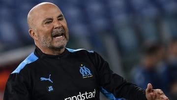 Sampaoli critica os investimentos da equipe do PSG.
