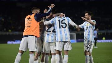 La Argentina se une en un abrazo de gol.