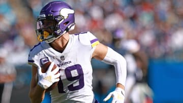 Dallas Cowboys vs Minnesota Vikings prediction, odds, spread, over/under and betting trends for NFL Week 8 game.