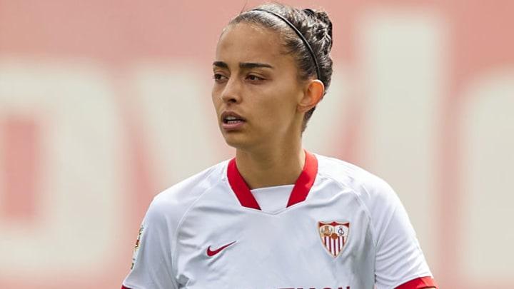 Isabella Echeverri, from Sevilla FC