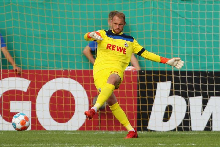 Marvin Schwäbe im Pokal gegen Jena