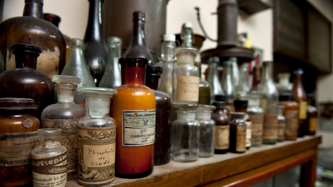 17 Bizarre Natural Remedies From the 1700s | Mental Floss