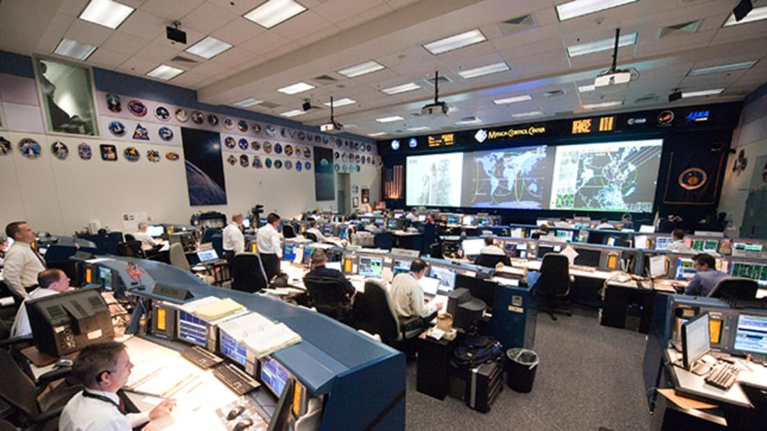 13 Behind-the-Scenes Secrets of NASA Mission Controllers | Mental Floss