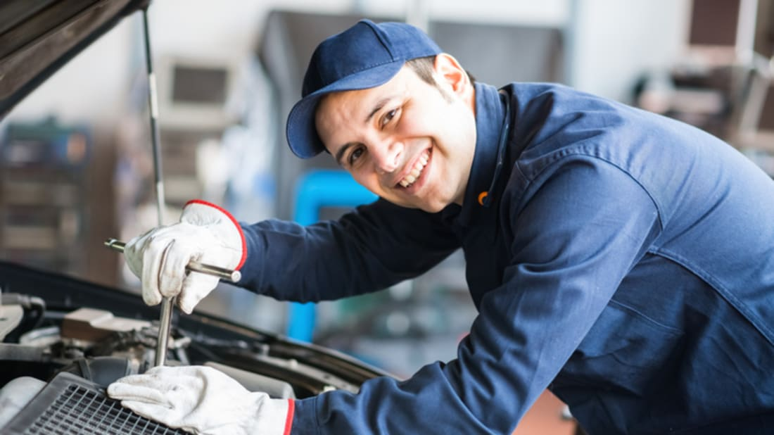 15 Behind-the-Scenes Secrets of Auto Mechanics | Mental Floss