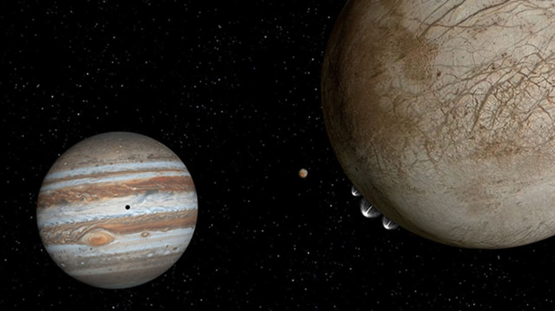 Artist's view of plumes on Europa (right) // NASA