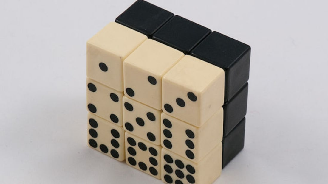 By Huso Taso - 2x3x3 Domino Cube, CC BY 2.0, Wikimedia Commons