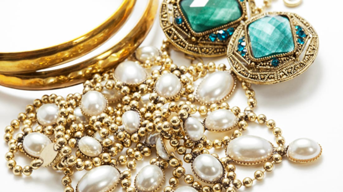 How to make gold jewelry cleaner