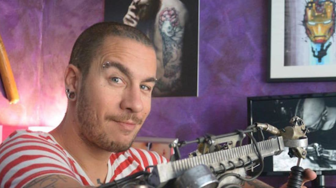 Artist's Prosthetic Arm Includes Working Tattoo Machine
