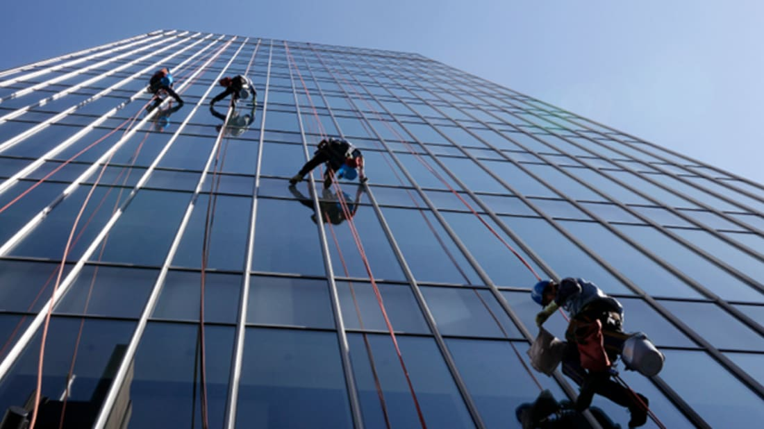 13 Behind The Scenes Secrets Of Professional Window Washers