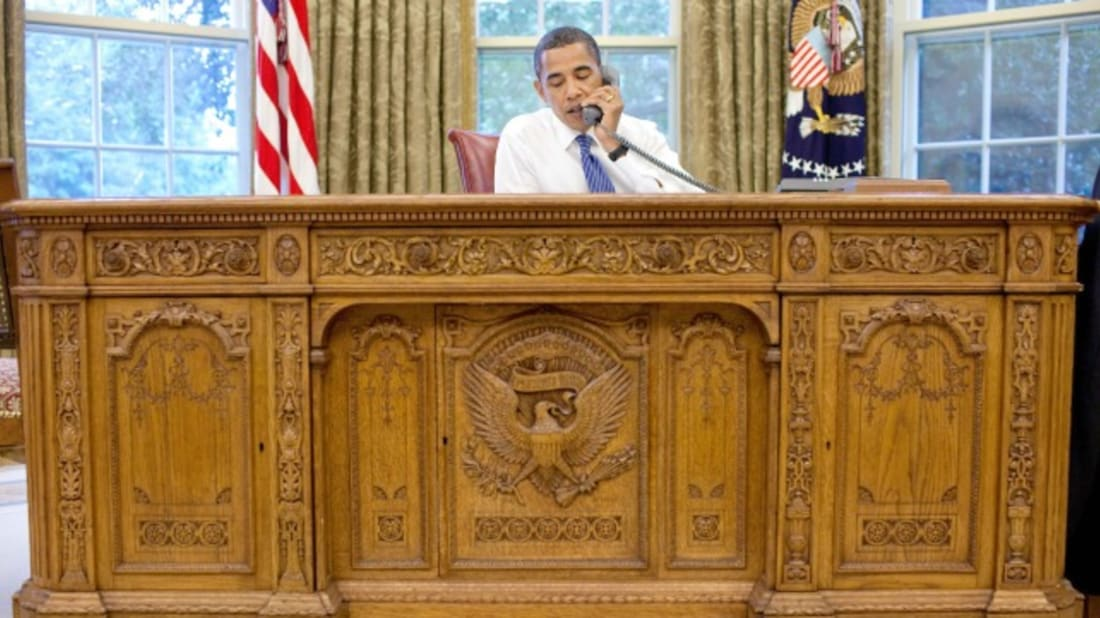 Obama Oval Office Address Not So Much >> Oval Office Decor Through The Decades All The Presidents Desks