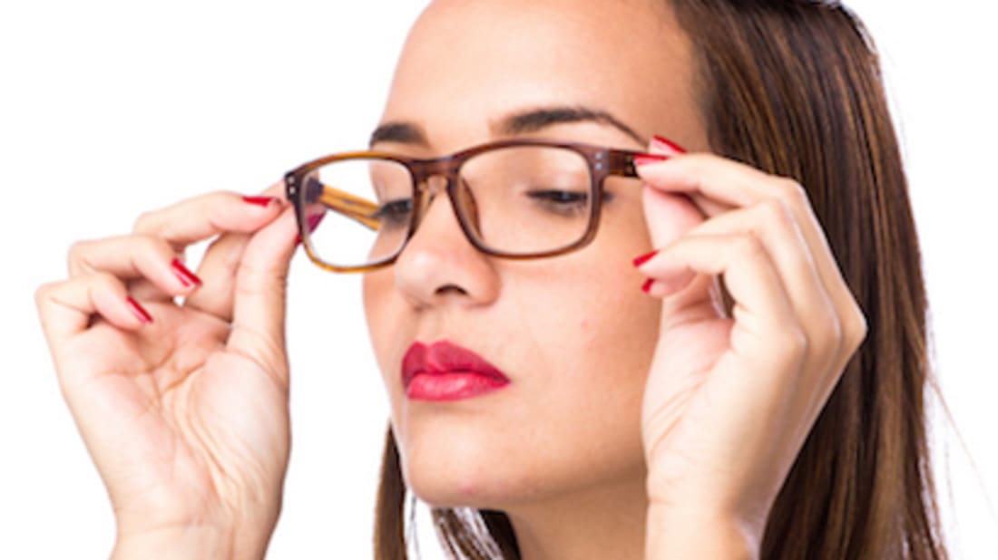 3e86eea9d76 7 Makeup Tips You Should Know If You Wear Glasses
