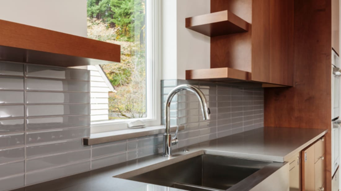 Want to Sell Your Home For More Cash? Consider a Farmhouse Sink