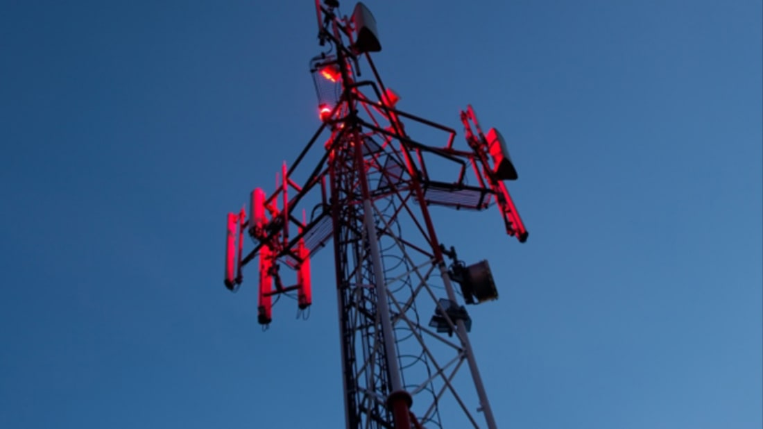 Why Do Electrical Towers Have Different Colored Blinking