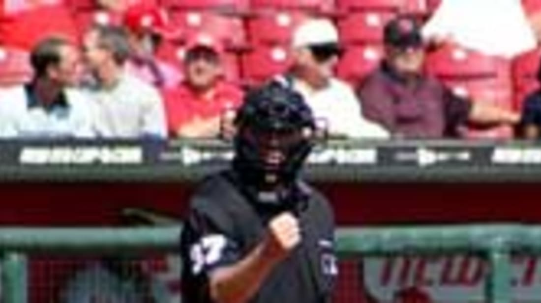 How Much Do These Umpires Get Paid? | Mental Floss