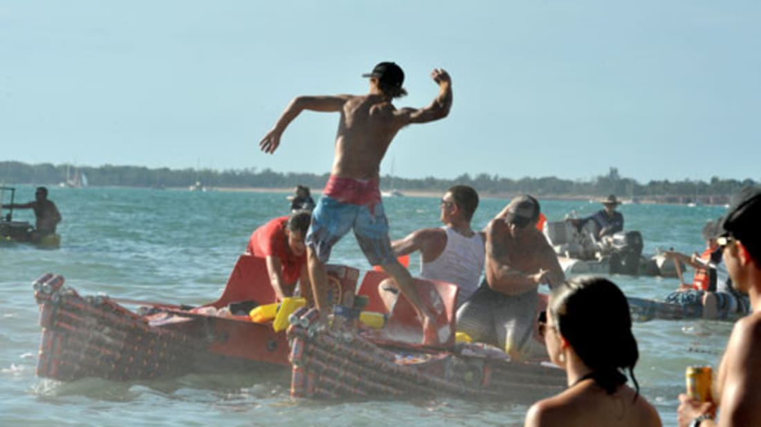 10 Strange and Wonderful Boat Races