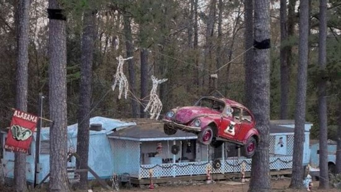 Bizarre But Clever Christmas Decorations