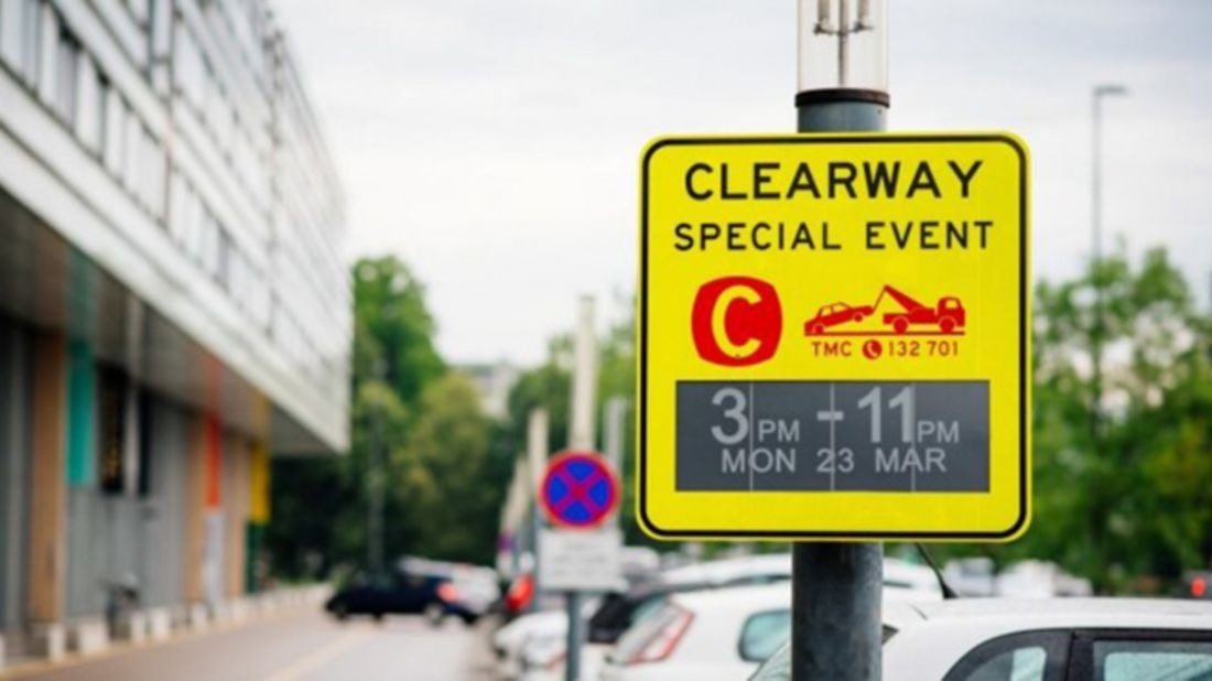Genius E-Ink Parking Signs Change Based on the Day