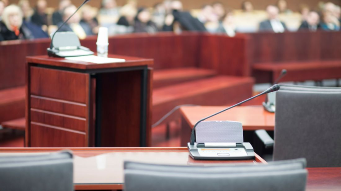 9 Things Lawyers Look for When Picking a Jury   Mental Floss