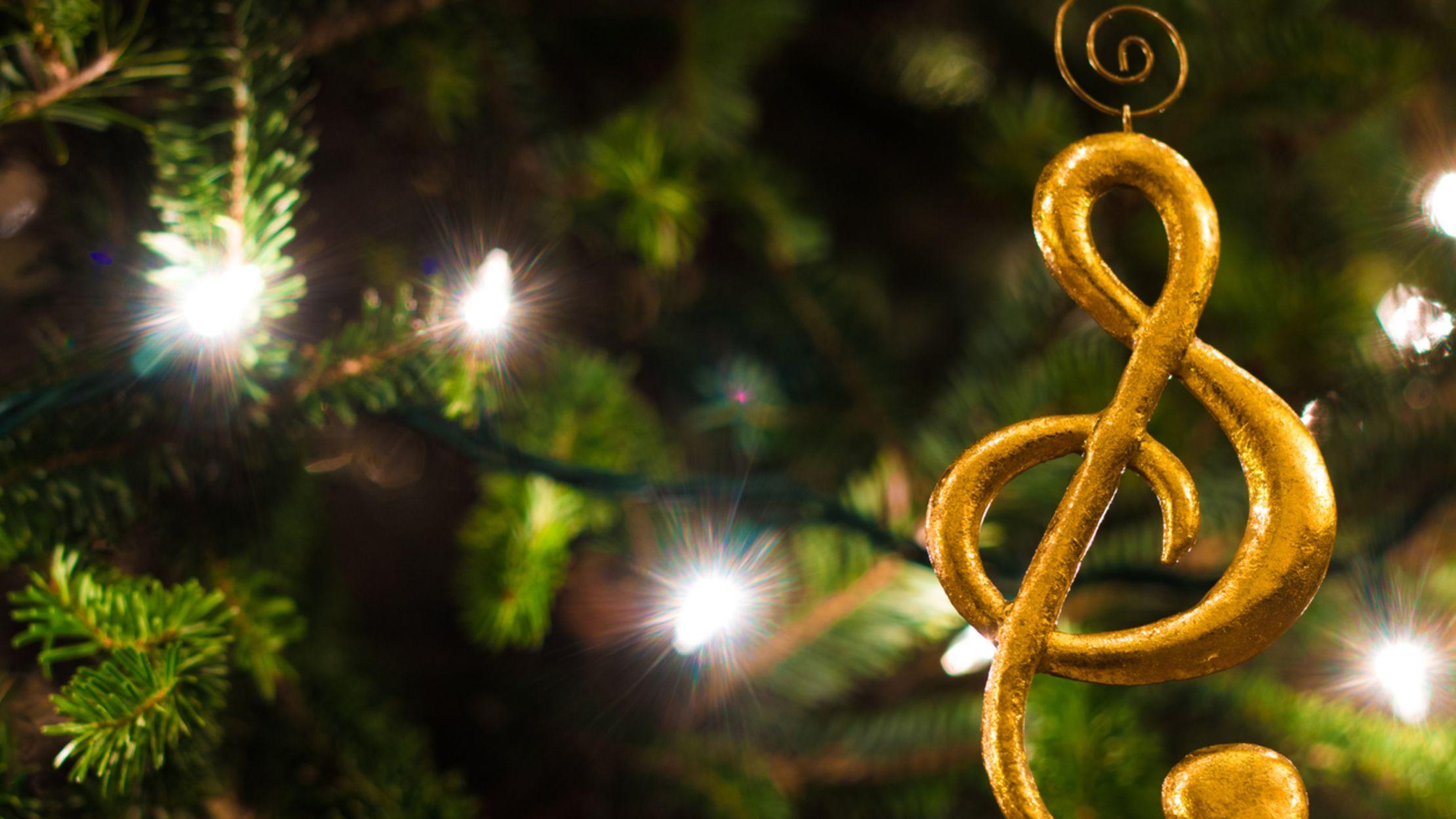 "13 Alternative Lyrics From ""The Twelve Days of Christmas"