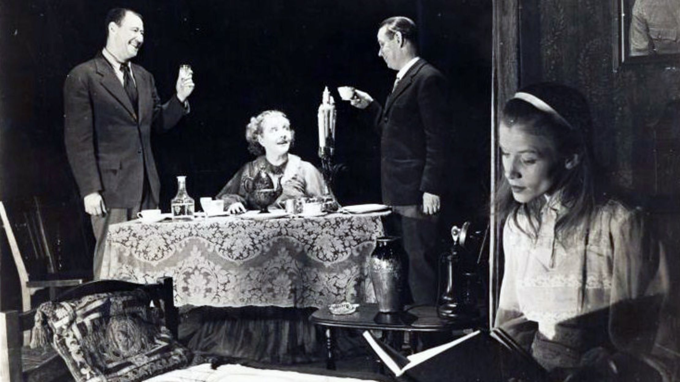 15 Facts About Tennessee Williams's The Glass Menagerie | Mental Floss