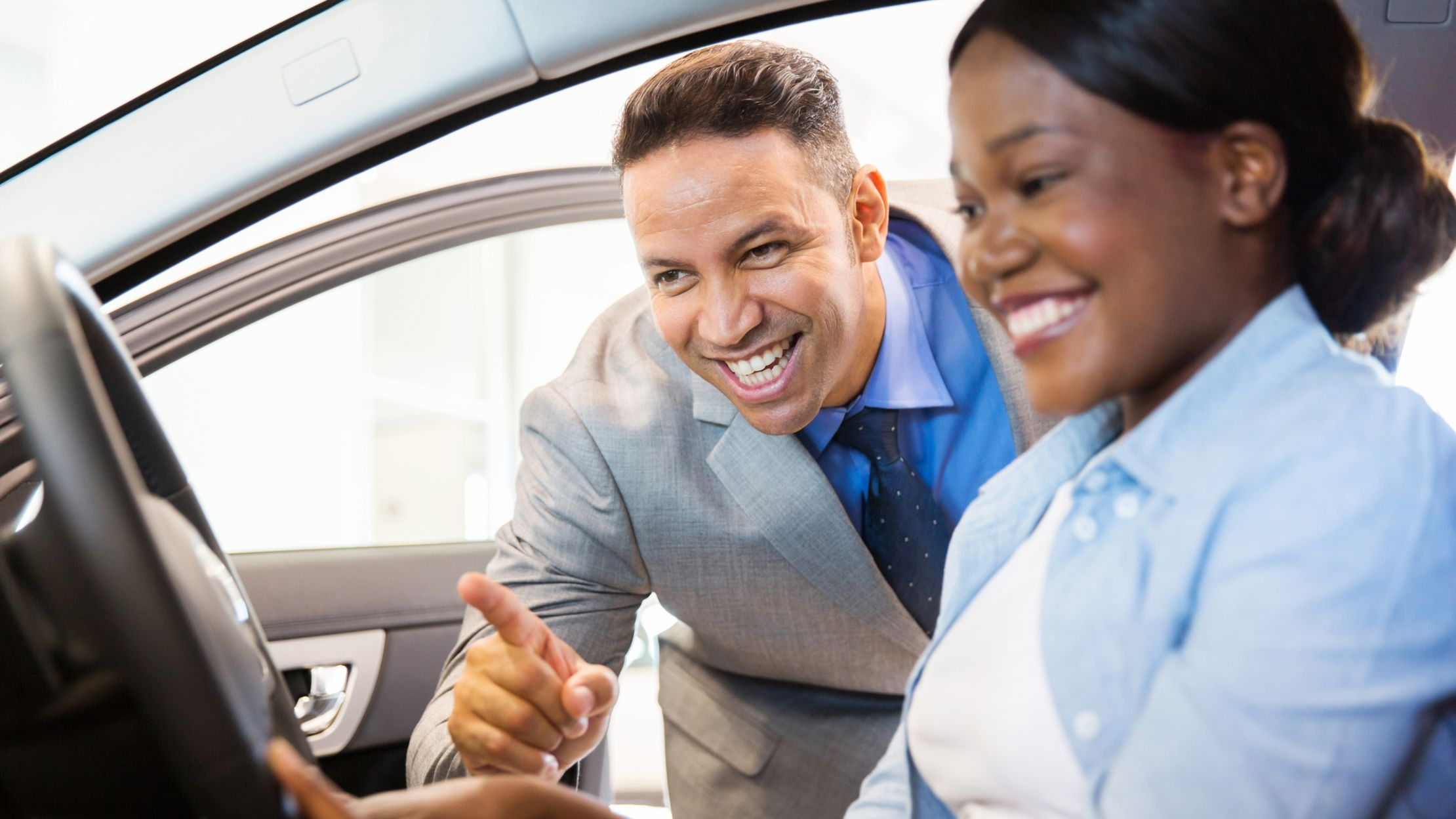 8 Tips for Haggling at a Dealership, According to Insiders