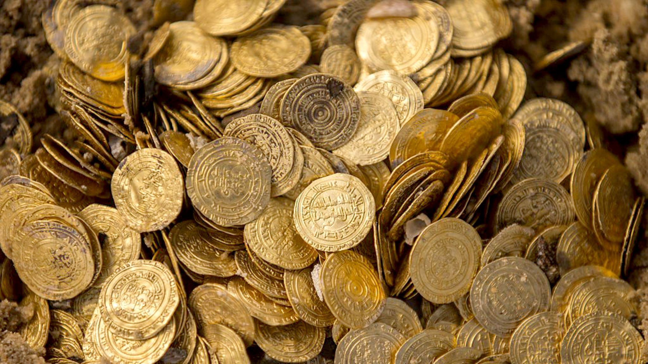 7 of the Biggest Treasure Troves Ever Found   Mental Floss