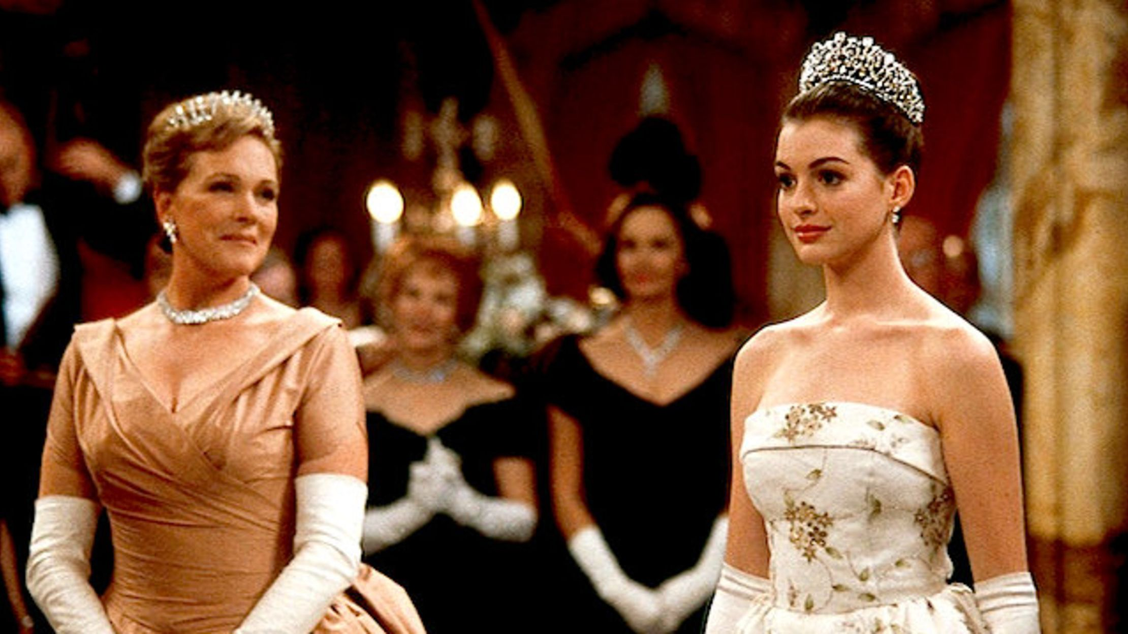A Royal Christmas Ball Cast.12 Regal Facts About The Princess Diaries Mental Floss