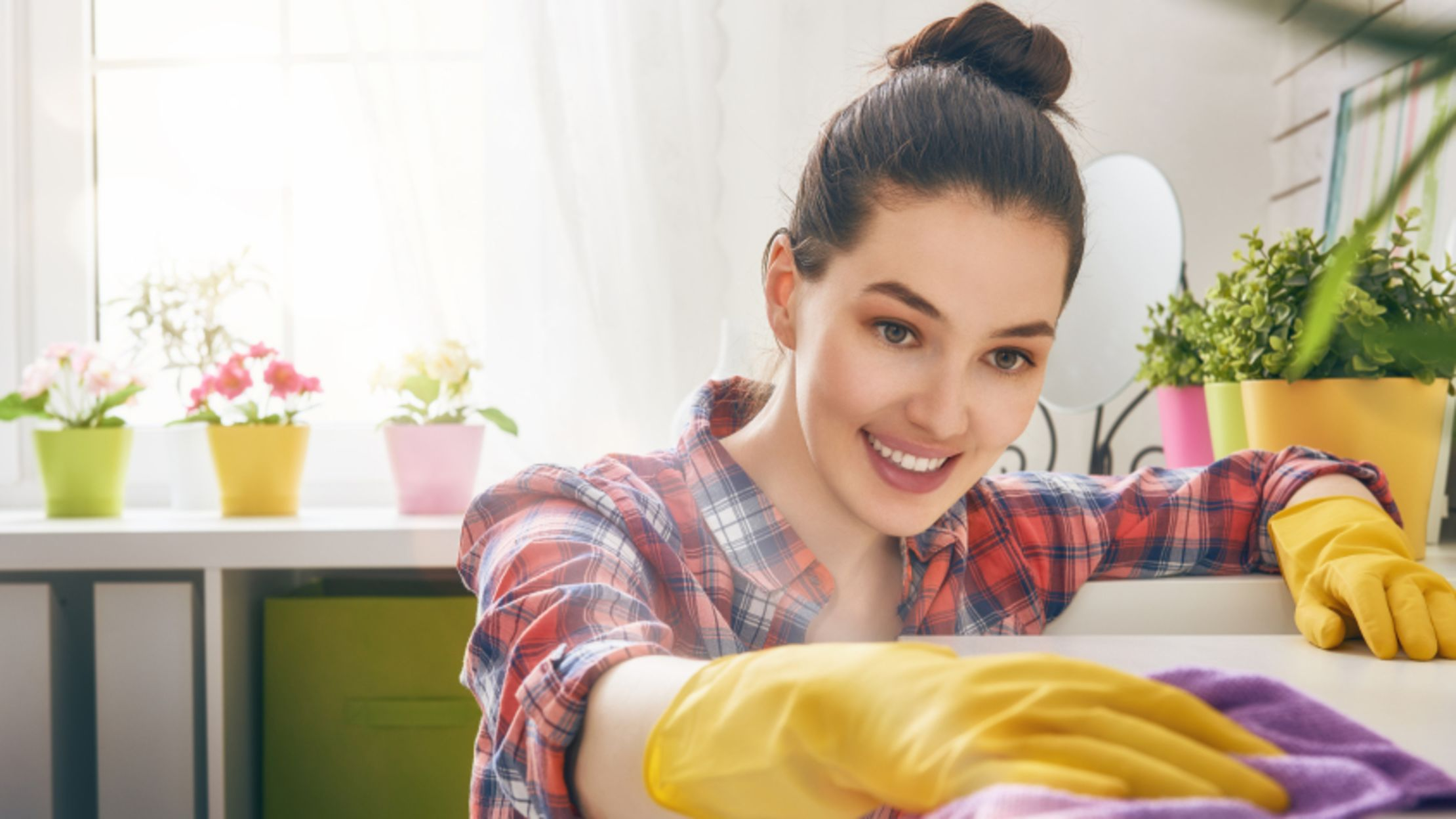7 Kitchen Staples That Double as Cleaning Products