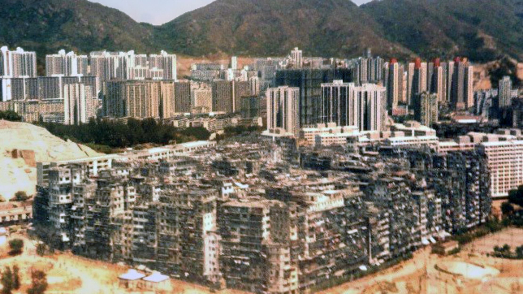 The Insane Kowloon Walled City
