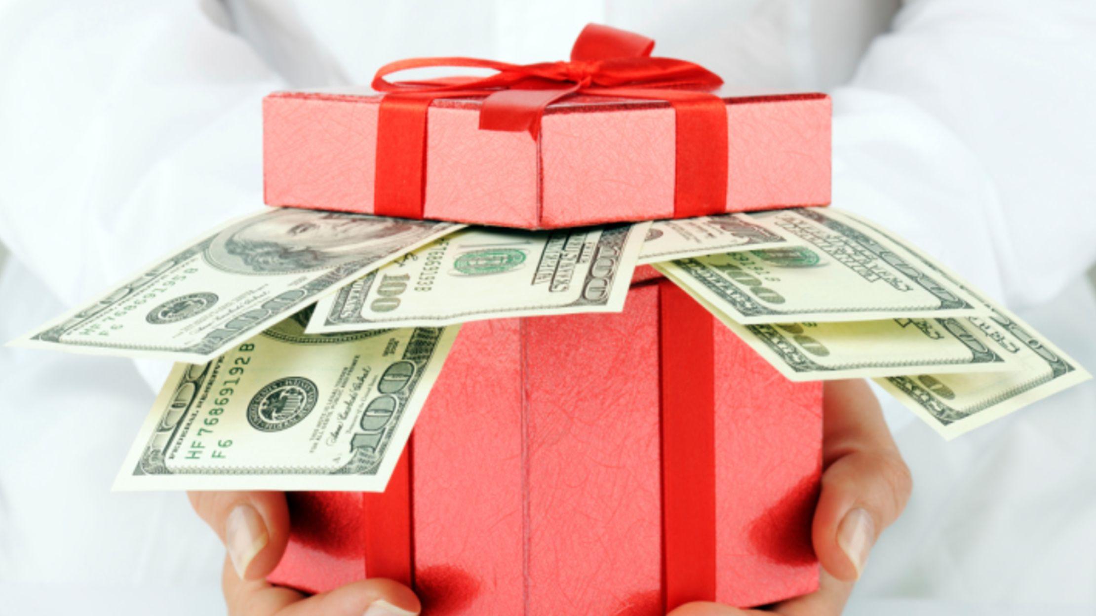 How 5 Lottery Winners Paid It Forward   Mental Floss