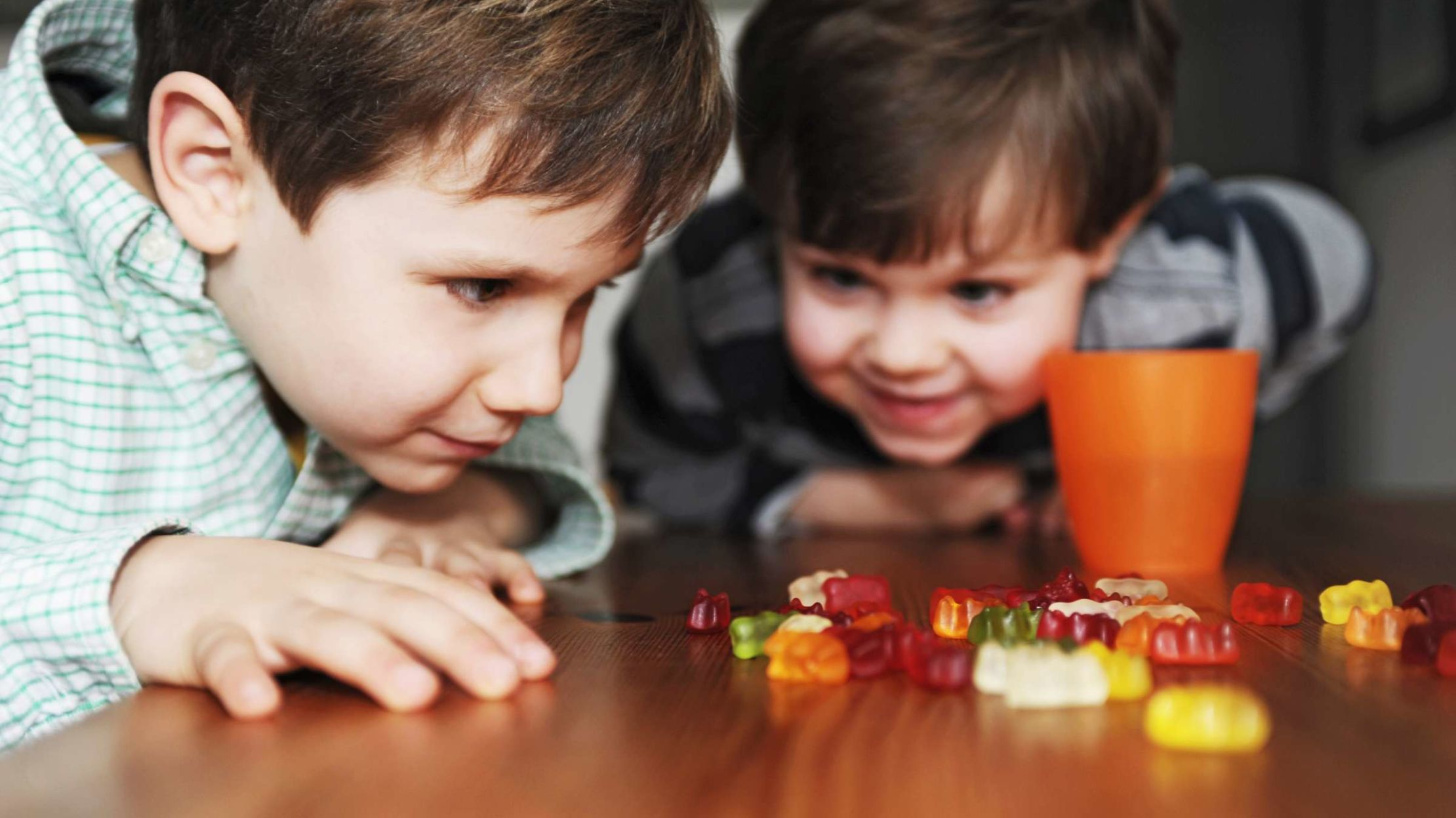 15 Science Experiments You Can Do With Your Kids