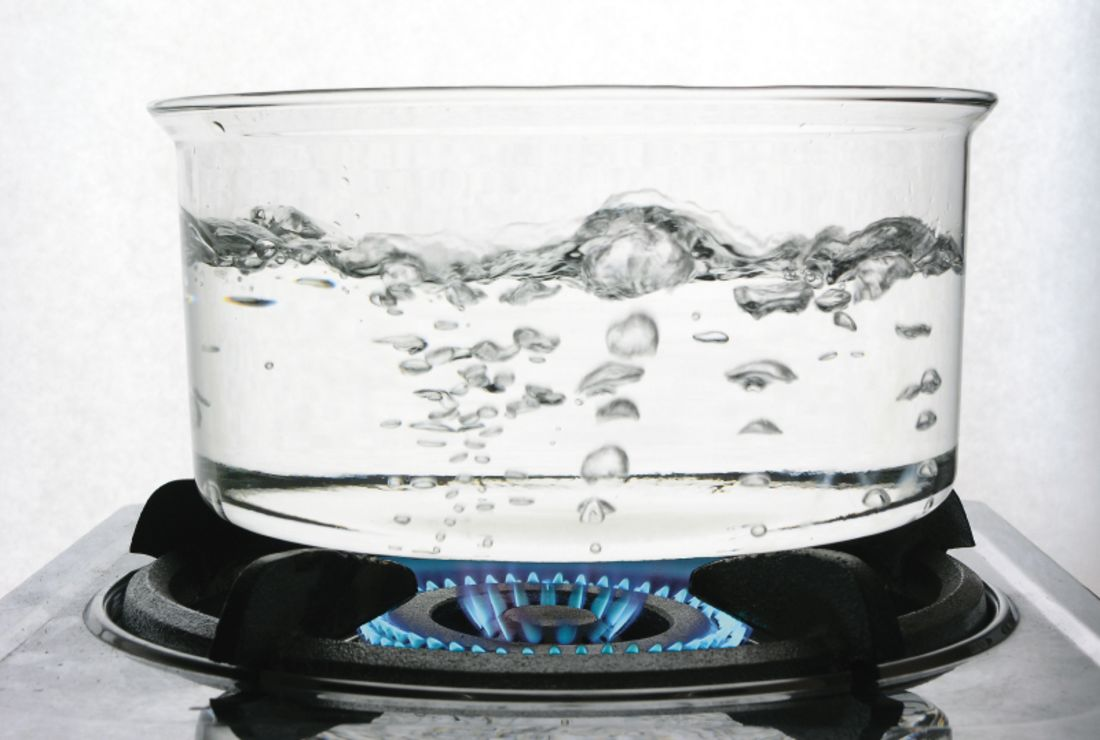Does Adding Salt to Water Make It Boil Sooner? | Mental Floss