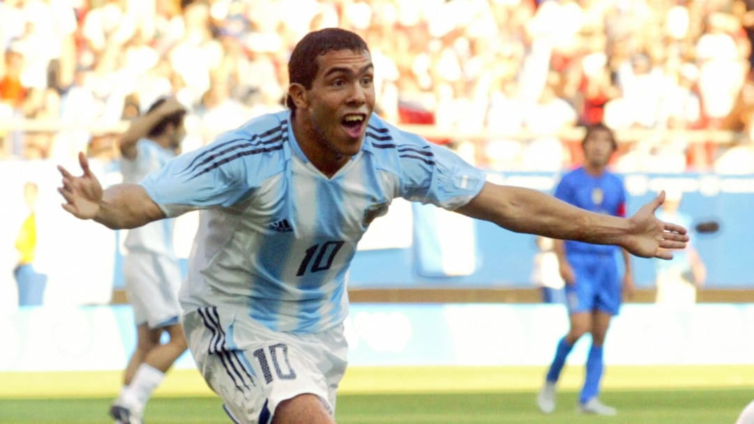 Argentina's Carlos Tevez celebrates afte