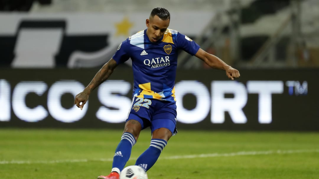 Villa contra Mineiro
