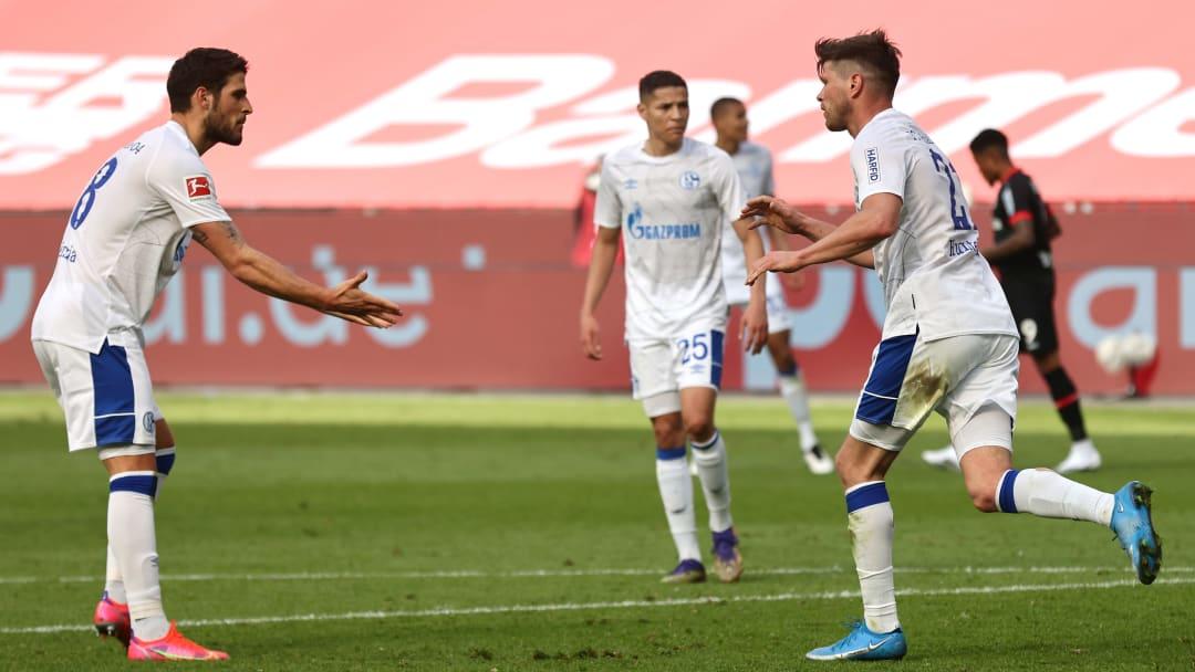 Klaas-Jan Huntelaar nach seinem Treffer mit Goncalo Paciencia
