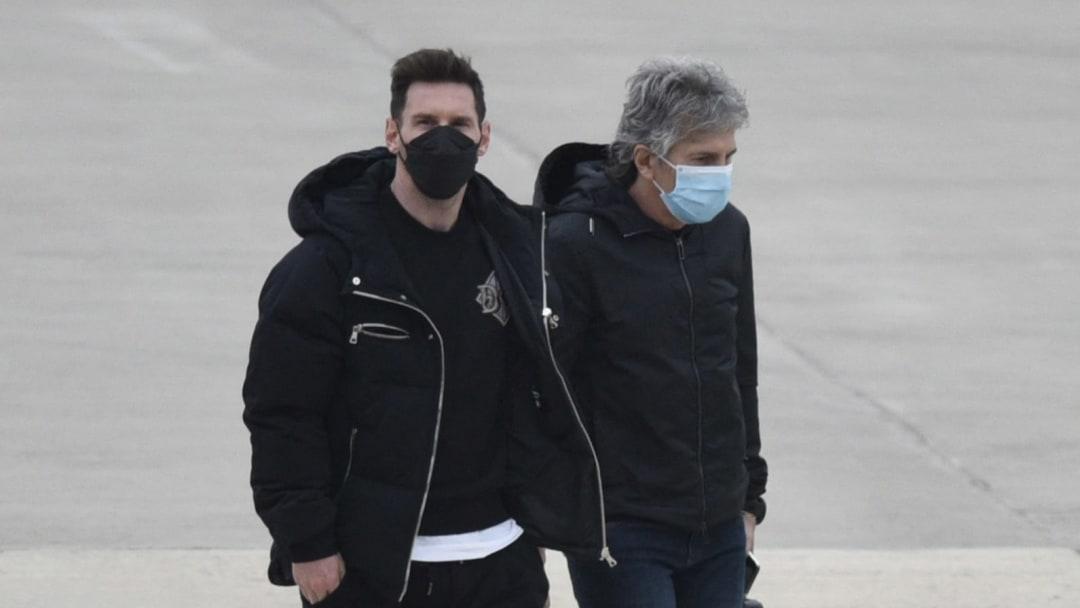 El argentino llegó esta mañana a la capital francesa.